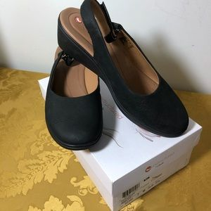 Clarks Unstructured Sling Back